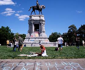 Robert E. Lee memorial in Richmond, Virginia