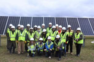 LandscapeU cohort at solar farm