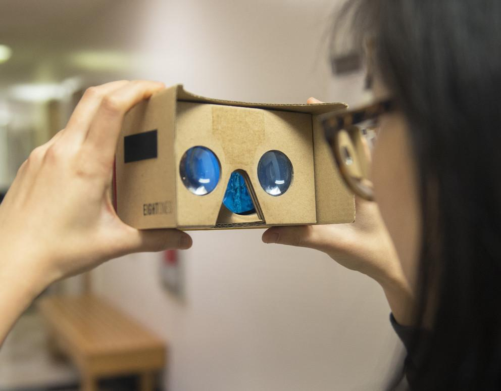 Using a cardboard viewer